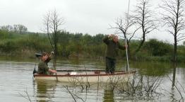 Horgászat akadóban - Úszóval